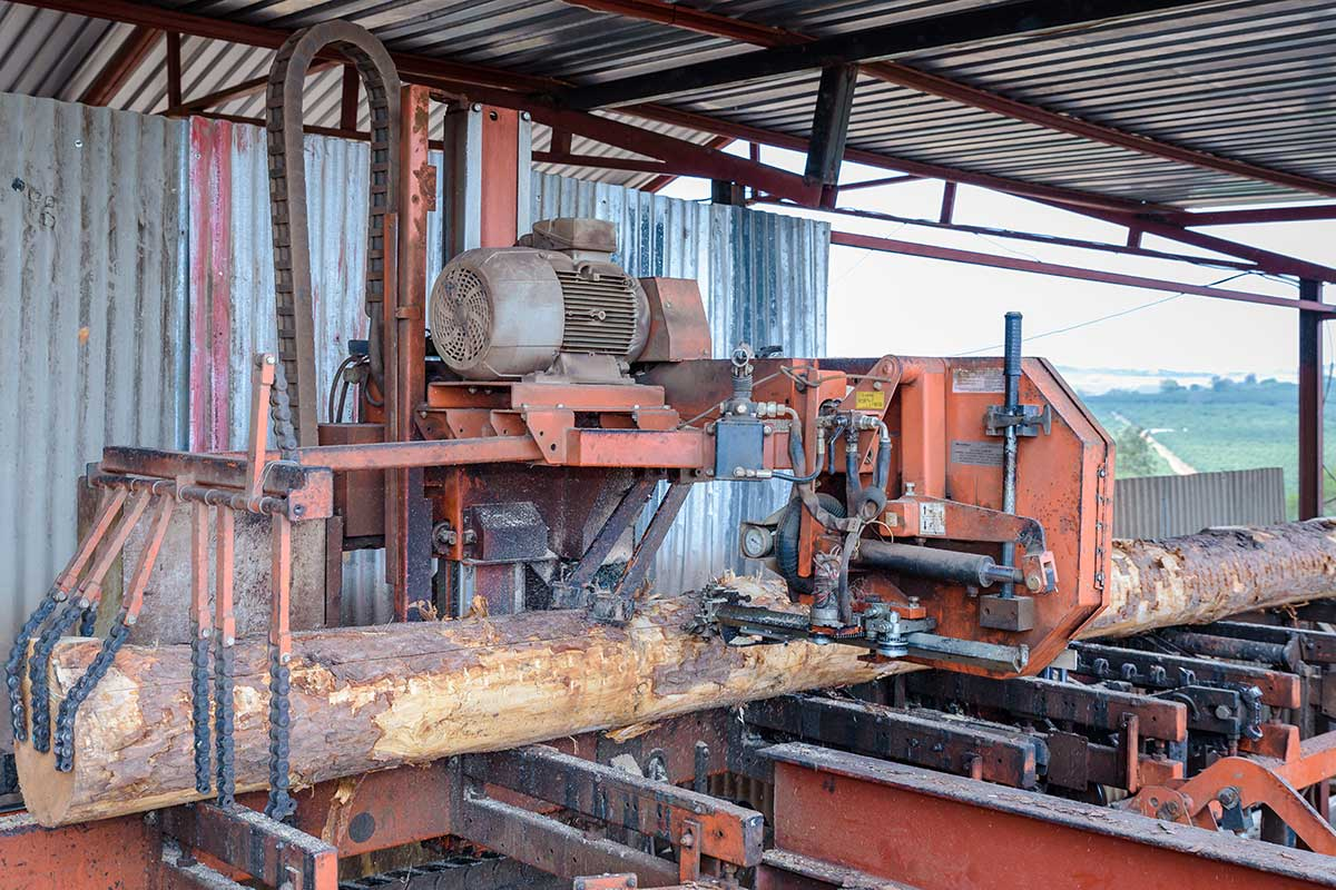 Log Milling Machine